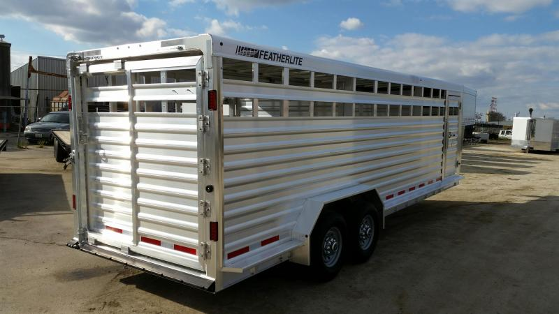 2020 Featherlite 8127-20 Livestock Trailer