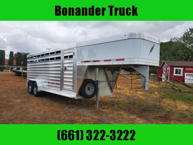 2021 Featherlite 8117-20 Livestock Trailer