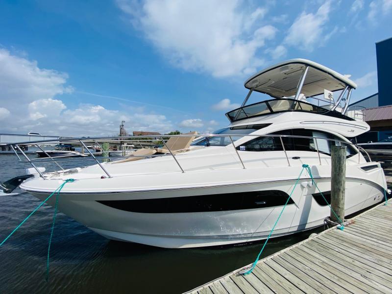2016 Sea Ray 400 FLY Cruiser (Power)