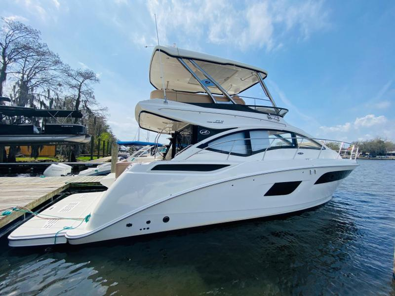 2016 Sea Ray 400 FLY Cruiser (Power)