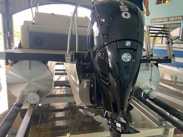 2022 Barletta Pontoon Boats CABRIO C22UC