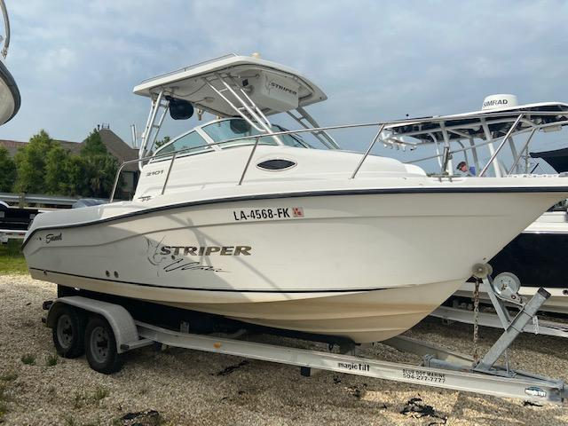 2004 Seaswirl STRIPER 2101 WA