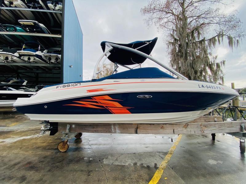 2010 Sea Ray 210 SELECT FISSION Bowrider