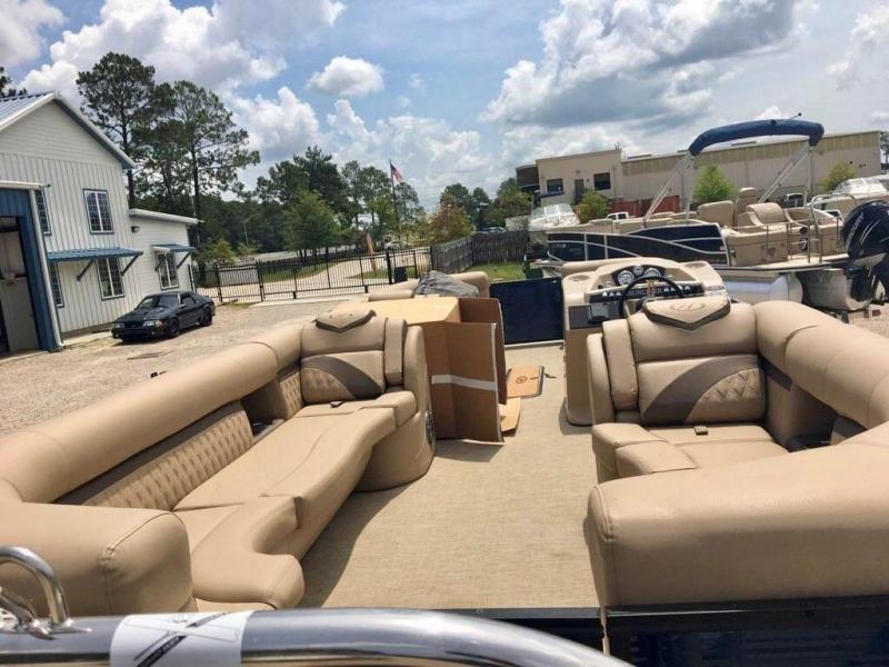 2019 Harris Boats 250 Sunliner