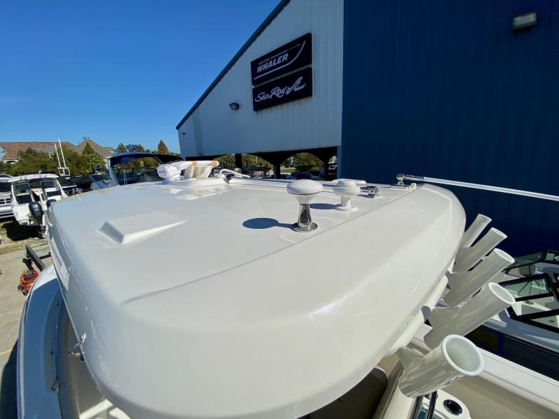 2021 Boston Whaler 280 Outrage Center Console
