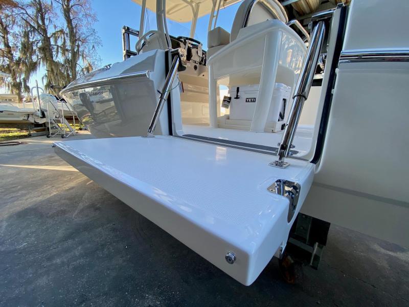 2021 Boston Whaler 270 Dauntless Fishing Boat