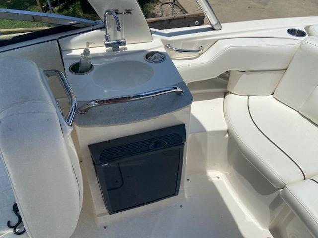 2008 Sea Ray 250 SLX Runabout Boat
