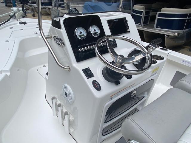 2017 Sea Pro 208 DLX