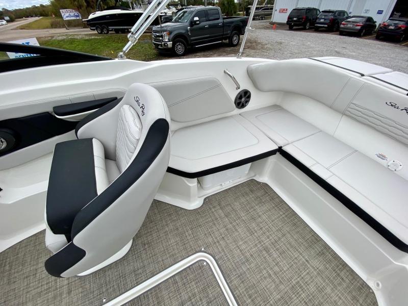 2021 Sea Ray 210 SPX Bowrider