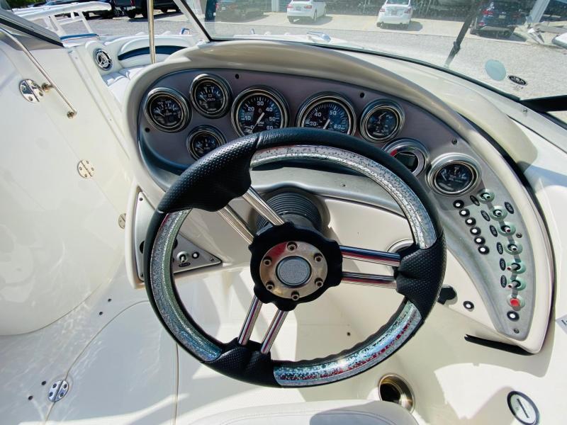 2009 Larson 234 Escape Bowrider
