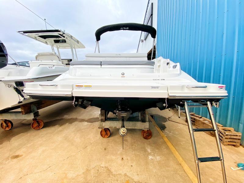 2021 Sea Ray 270 SDX Bowrider
