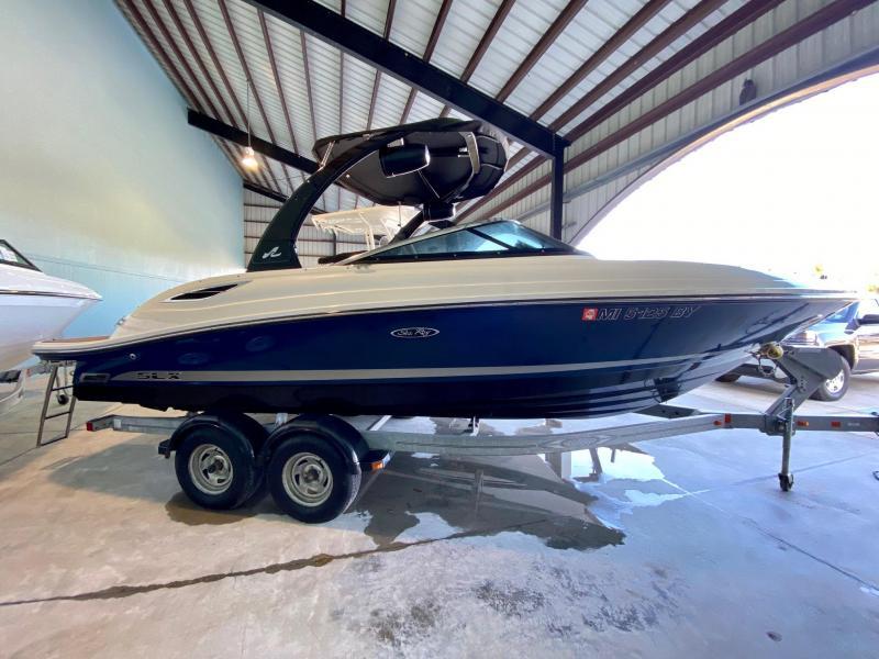 2013 Searay 230 SLX