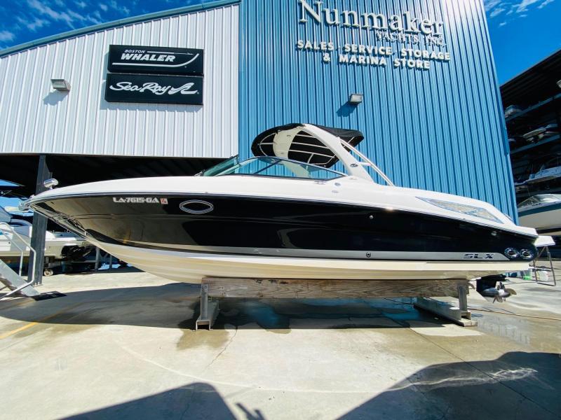 2013 Sea Ray 300 SLX Bowrider