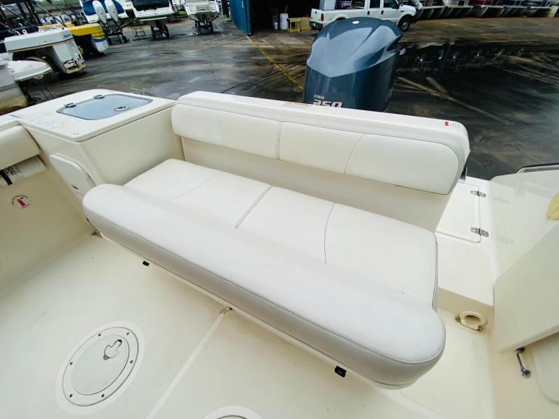 2014 Pursuit Boats C230 Fishing Boat