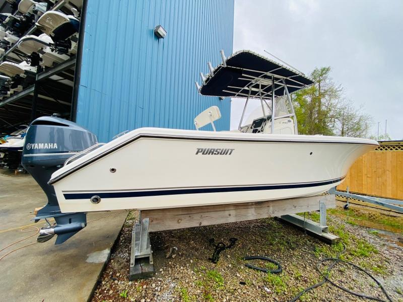 2014 Pursuit Boats C230 Fishing Boat