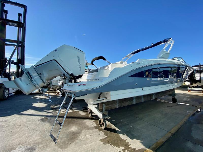 2021 Sea Ray 290 SDX OUTBOARD Bowrider