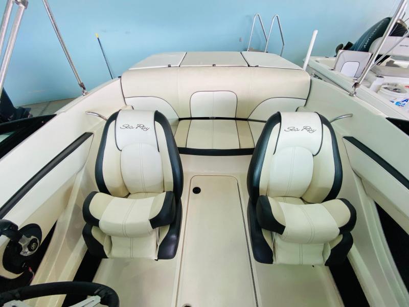 2014 Sea Ray 190 Sport Bowrider