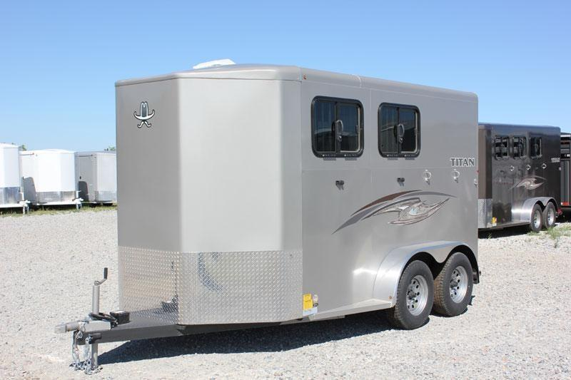 2019 Titan Trailers Royal Bumper Hitch Horse Trailer