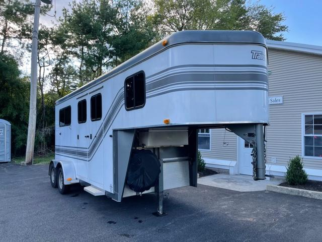 2004 Trailet 2 Horse Straight Load Gn W/ Dress