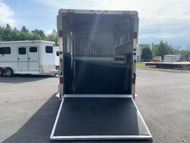 2020 Jamco 3 Horse Slant Bumper Pull With Dress