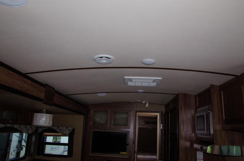 Aerolite 281RLSS Rear Living - BELOW NADA VALUE