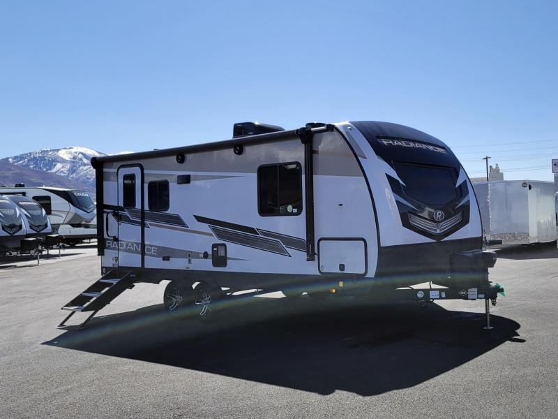 2021 Cruiser Radiance 21' Camp Travel Trailer RV