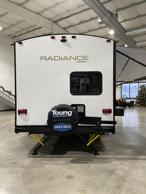 2021 Cruiser 25' Travel Trailer