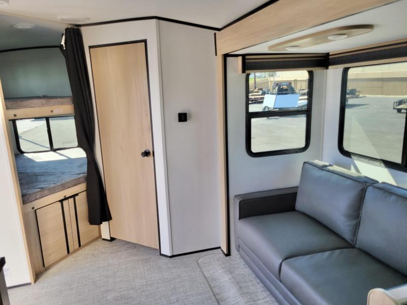 2021 Cruiser Radiance 28' Camp Travel Trailer RV