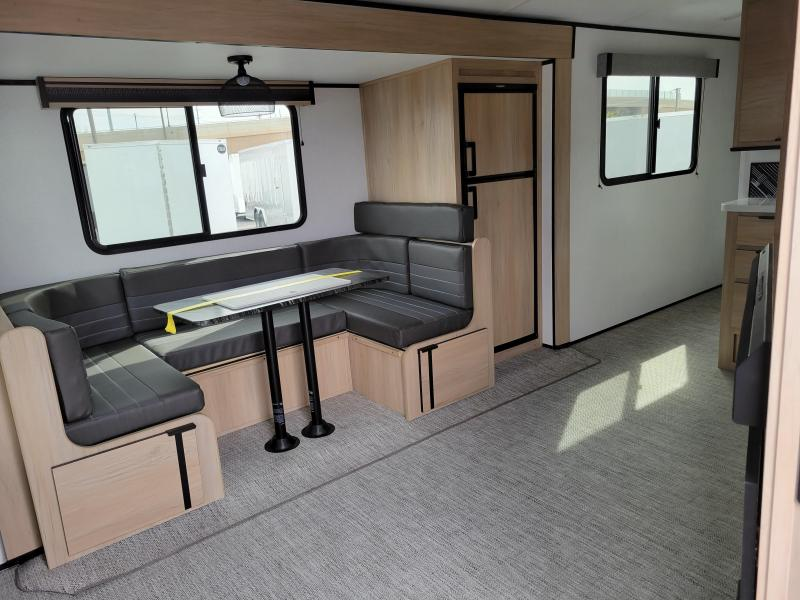 2021 Cruiser Radiance 28'  Travel Trailer