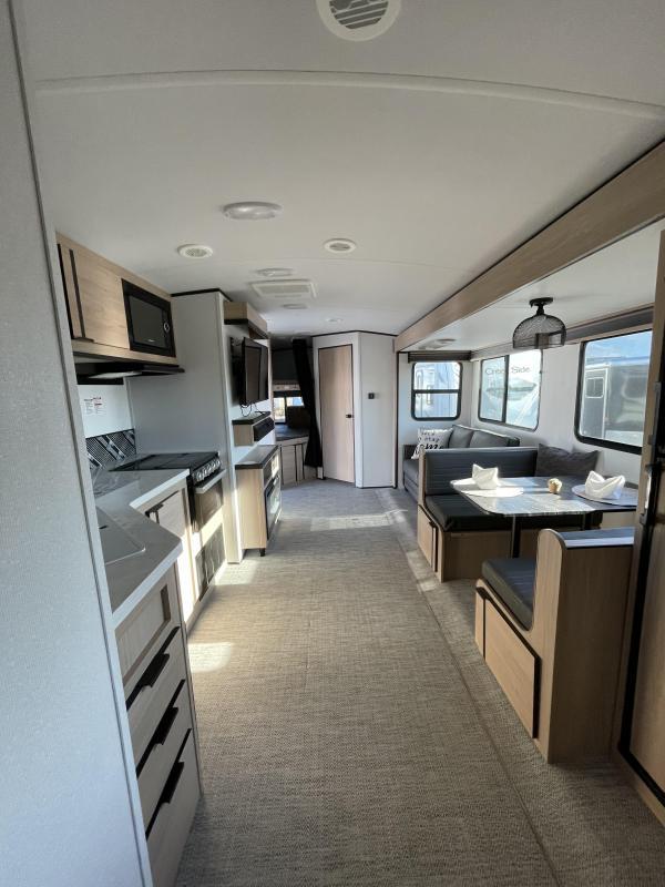 2021 Cruiser 28' RV Travel Trailer