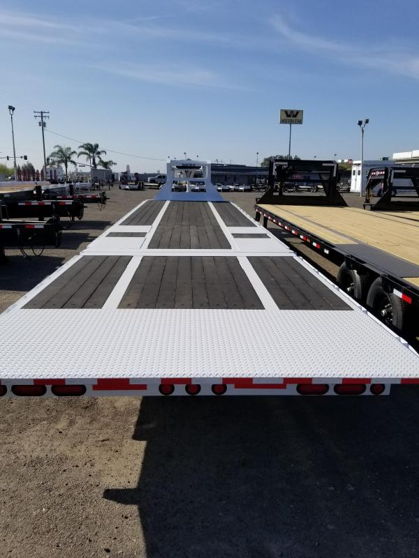 2021 PJ Trailers LY Equipment Trailer