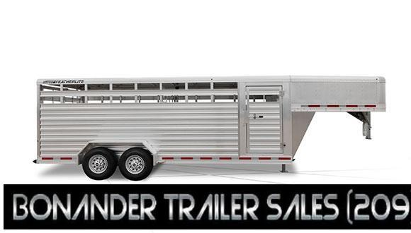 2018 Featherlite 8117 Livestock Trailer