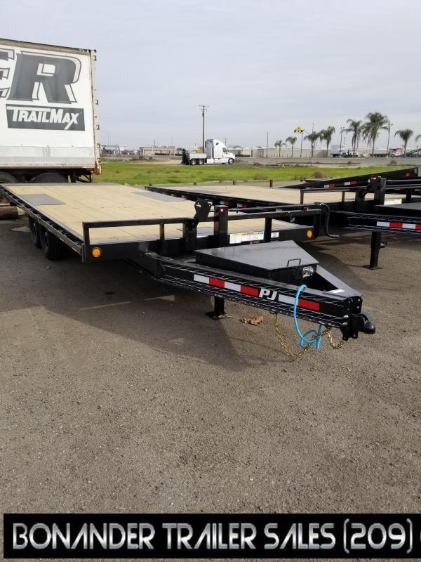 2021 PJ Trailers T822 Equipment Trailer
