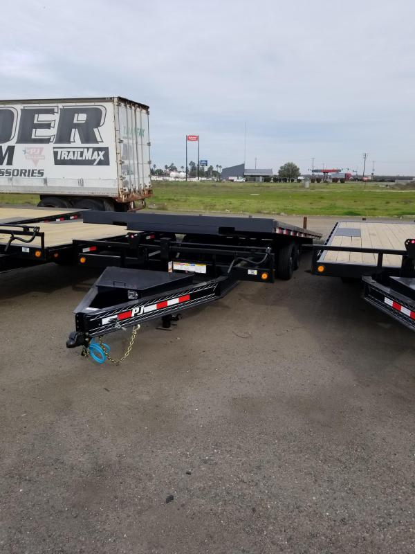 2021 PJ Trailers T8-22 Equipment Trailer