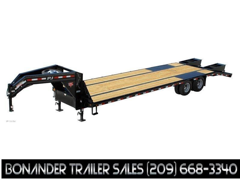 2021 PJ Trailers 32' Low-Pro Flatdeck with Duals (LD) Flatbed Trailer