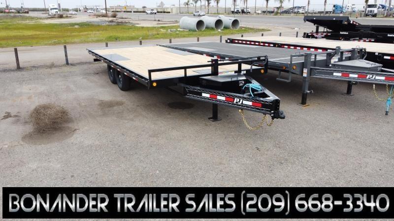 2021 PJ Trailers T8 Equipment Trailer