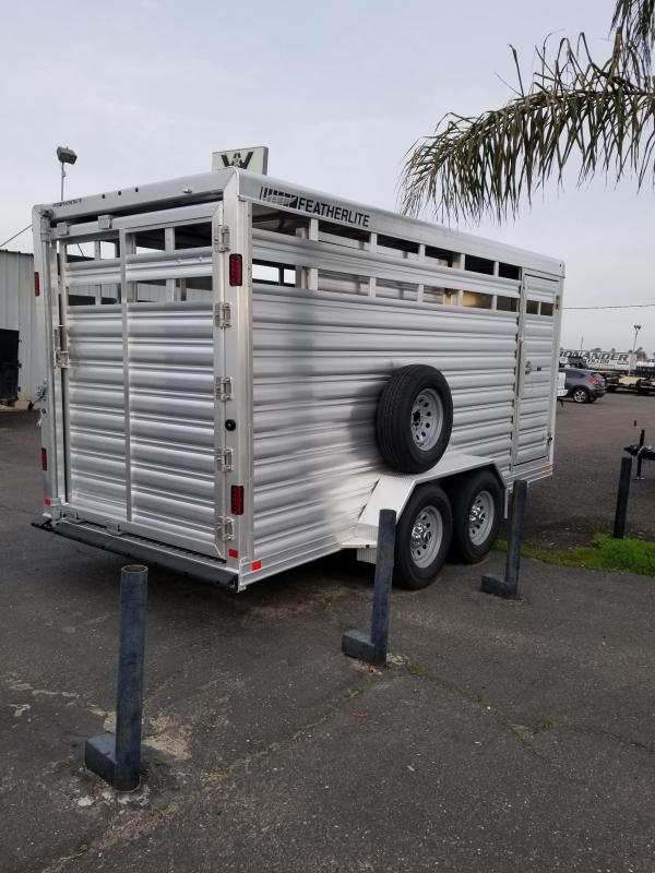 2021 Featherlite 8107-6716-STD Livestock Trailer