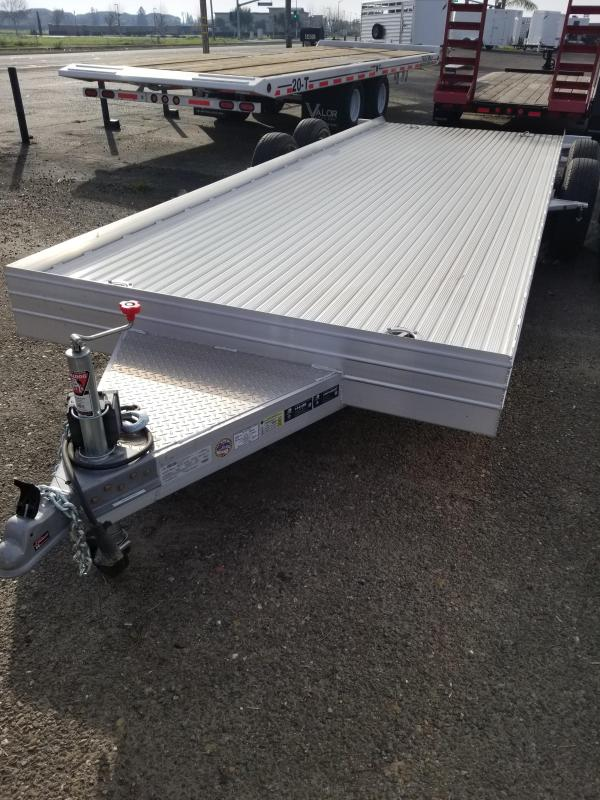 2021 Featherlite 3110-0020-STD Car / Racing Trailer