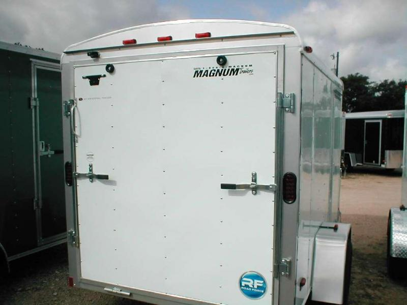 Wells Cargo RF58S2-R Cargo / Enclosed Trailer