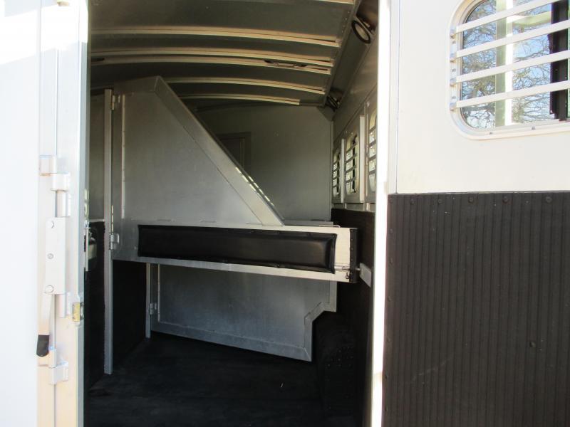 2007 C and C Trailers CC 8X26 3H Livestock Trailer