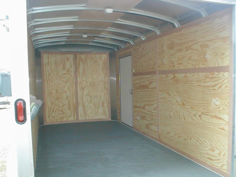 Wells Cargo RF714T2 Cargo / Enclosed Trailer