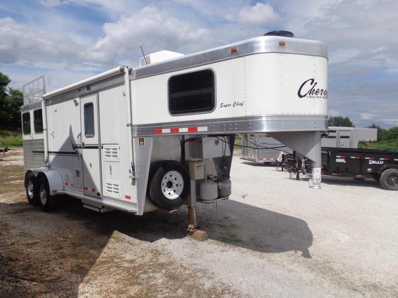 USED 2007 Cherokee 2 Horse Slant with Living Quarters Horse Trailer