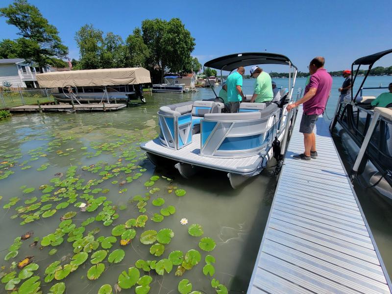 2022 Trifecta Pontoon 23RF SS 2.75 Pontoon Boat