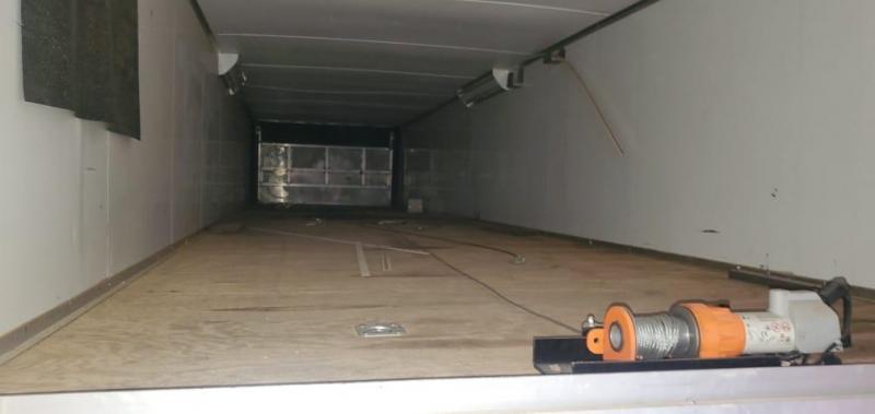 2009 Cargo Mate 102X53 STACKER RACE CAR HAULER W/LIFT GATE