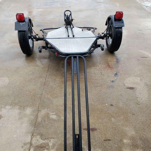 2004 KENDON SINGLE RAIL STAND UP MOTORCYCLE TRAILER........