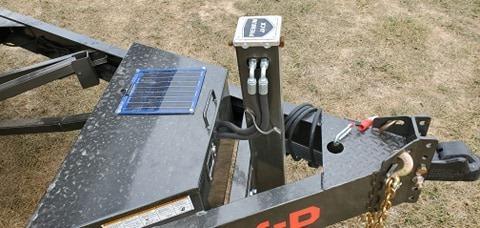 2021 MAXXD 102X22 TANDEM 14K T8X POWER TILT W/OAK FLOOR HYDROJACK WIRELESS & 5 WATT SOLAR