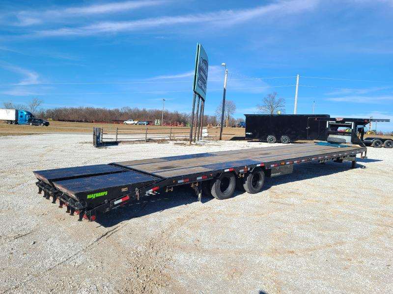 "2019 Load Trail 102"" x 40' Tandem Low-Pro Gooseneck w/Under Frame Bridge & Pipe Bridge W/ FUEL TANK"