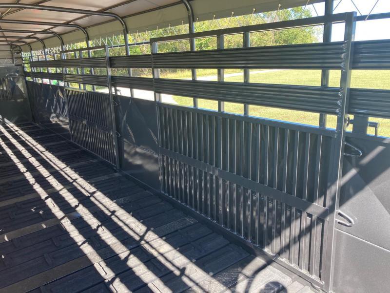 2022 Kodiak 32'x6'8x6'6 Triple Axle GN Livestock Trailer