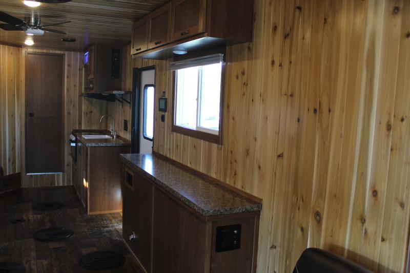 2021 Yetti Grand Escape 824-PKF Fish House