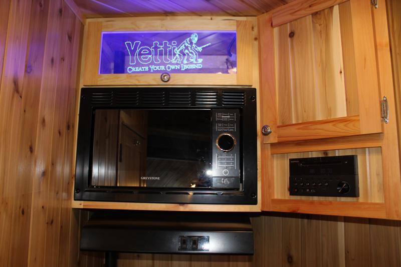 2018 Yetti Traxx 821-PKF Fish House